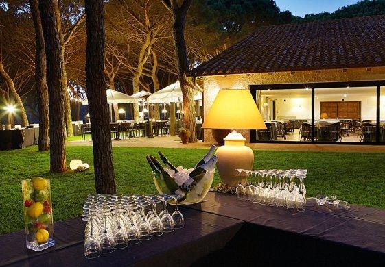 Клубный дом на поле для гольфа Golf de Pals