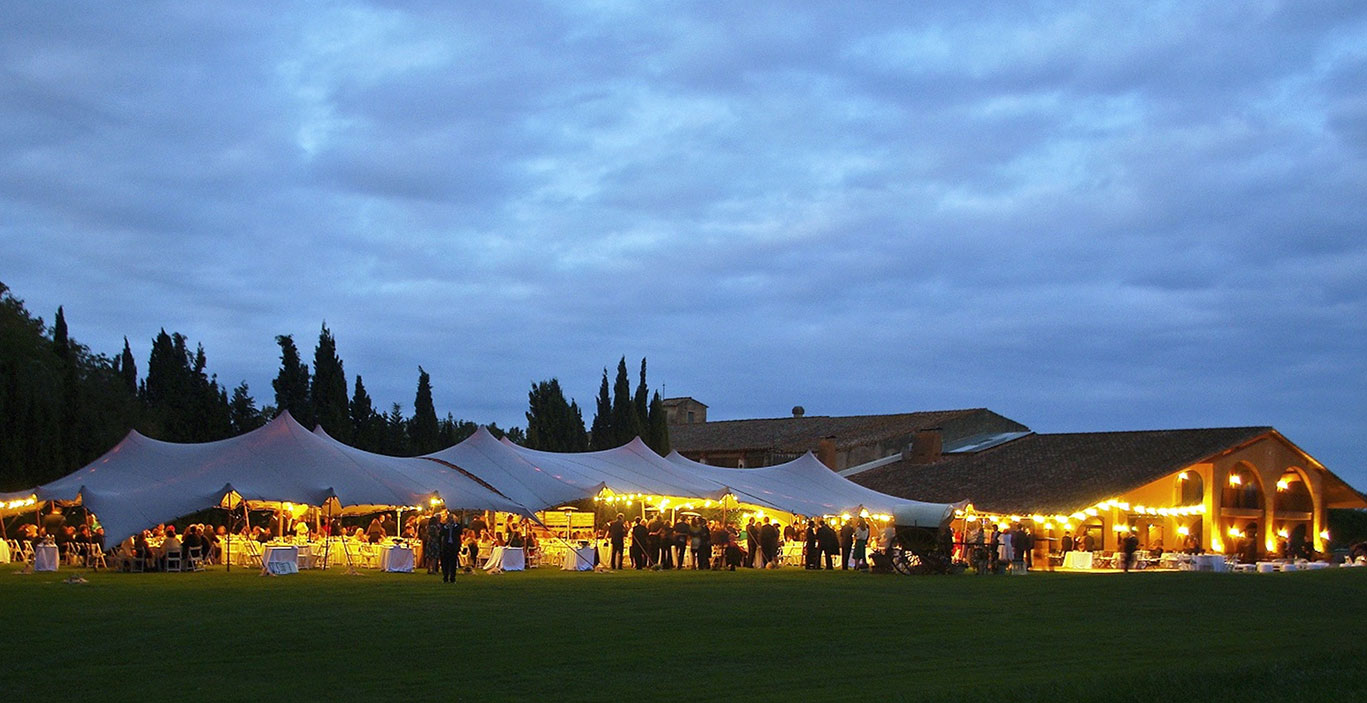 casaments/masgelabert/Mas-Gelabert_Casament-Beltran_carpa-panoramica.jpg