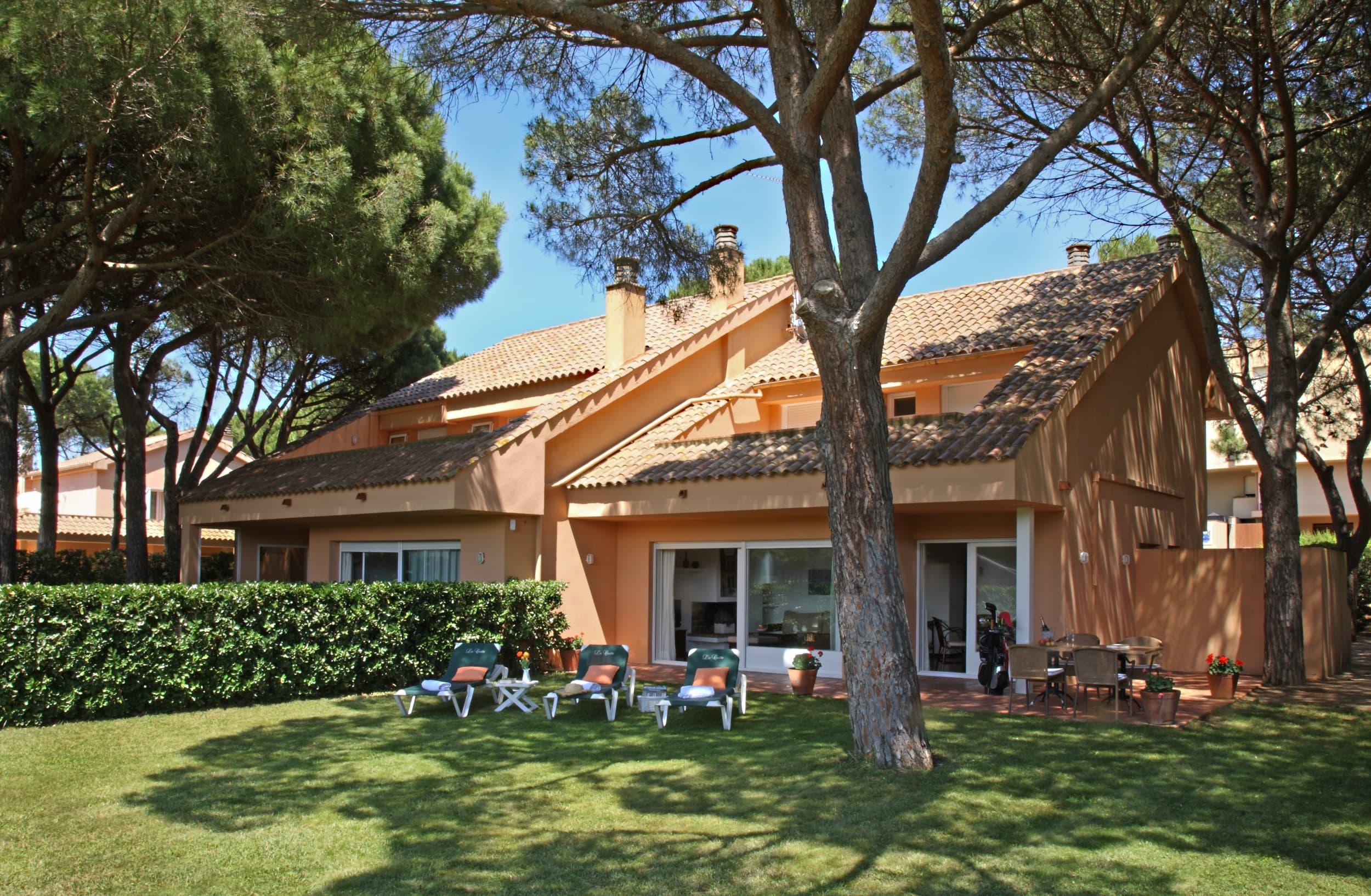 galeria/villes/villa1_jardin.jpg