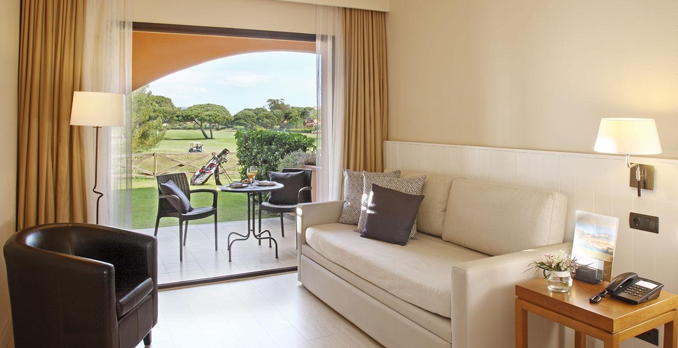 habitacions/doblesuperior/Doble-Superior_PBGolf_sofa.jpg