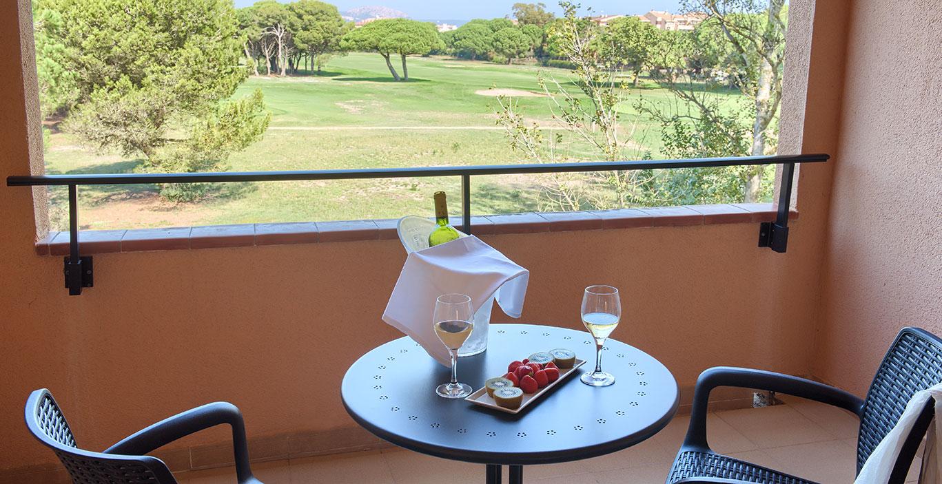 habitacions/doblesuperior/Doble-Superior_terrassa-vista-golf_Alta.jpg