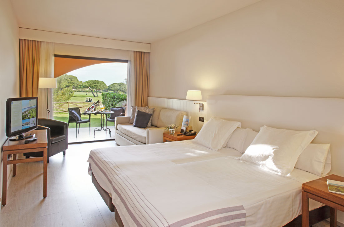 habitacions/doblesuperior/doble-superior_pb_vista-golf.jpg