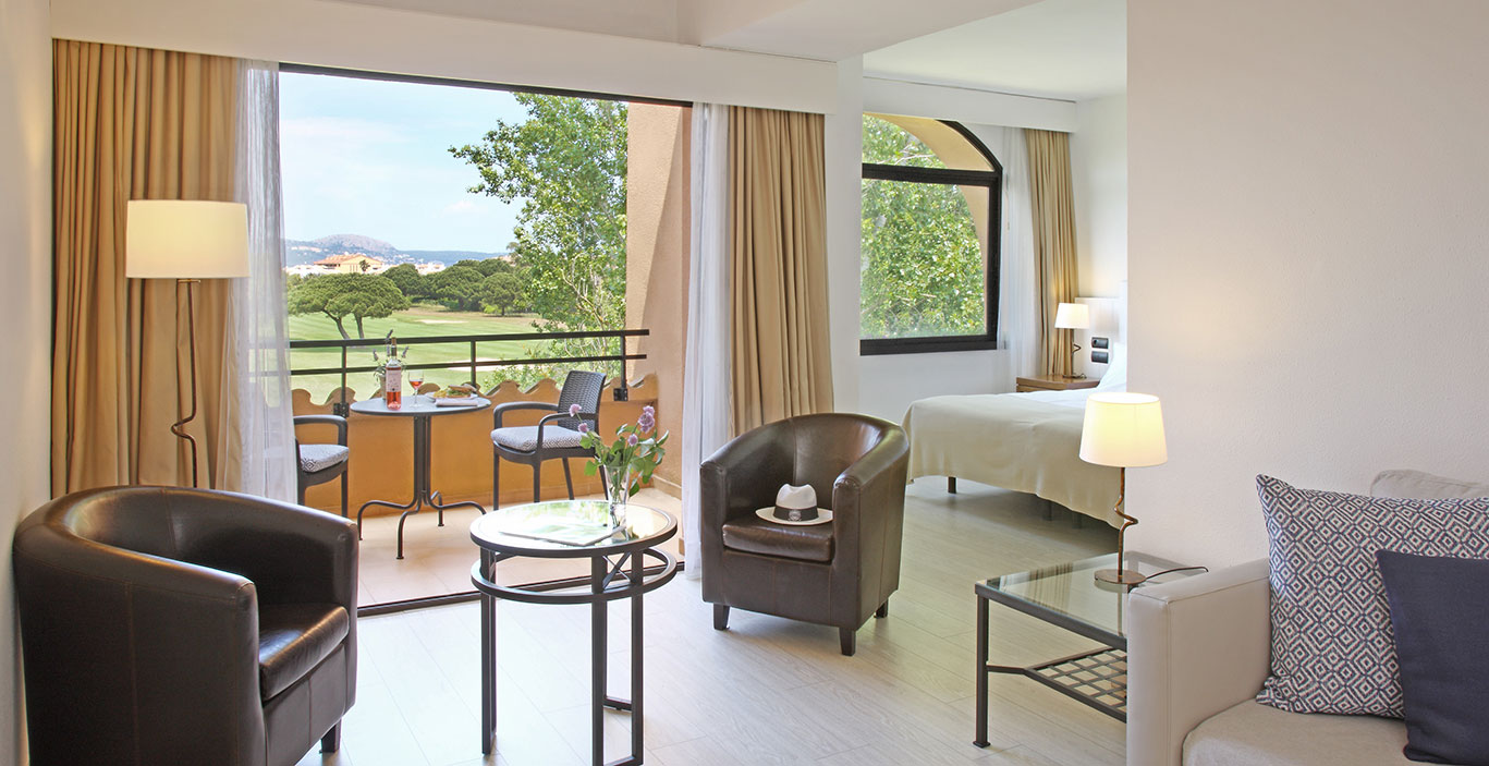 habitacions/juniorsuite/Junior-Suitre_VGolf_terrassa.jpg