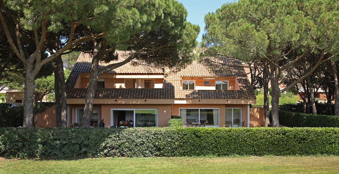 habitacions/villa1_i_2/Villas-desde-Golf.jpg