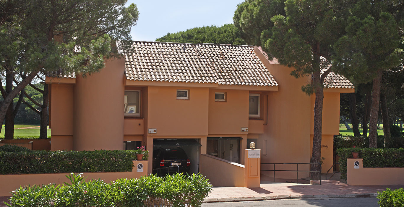habitacions/villa1_i_2/Villes1_2_exterior_carrer.jpg