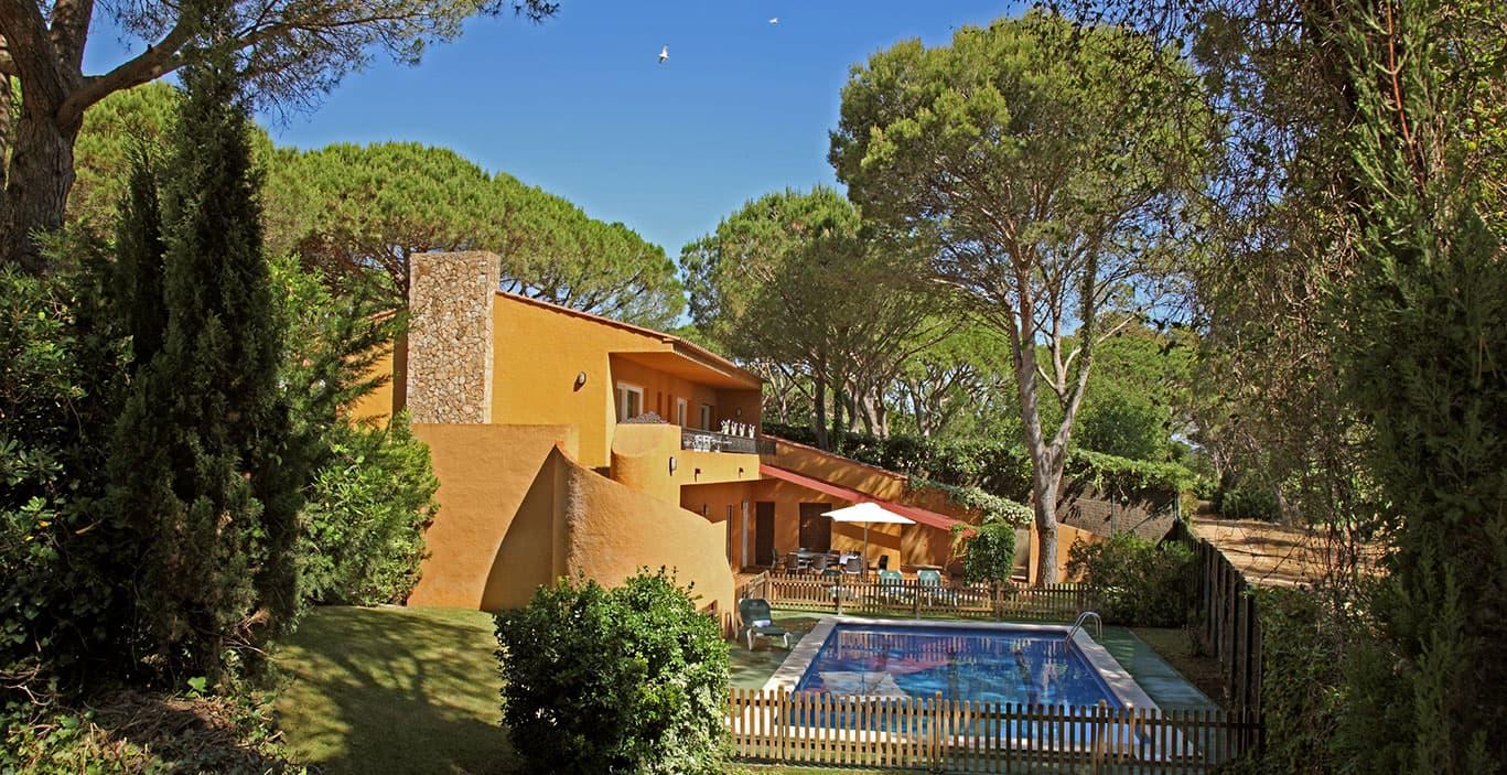 habitacions/villa3-/Villa3_exterior-jardin_2500pxls.jpg