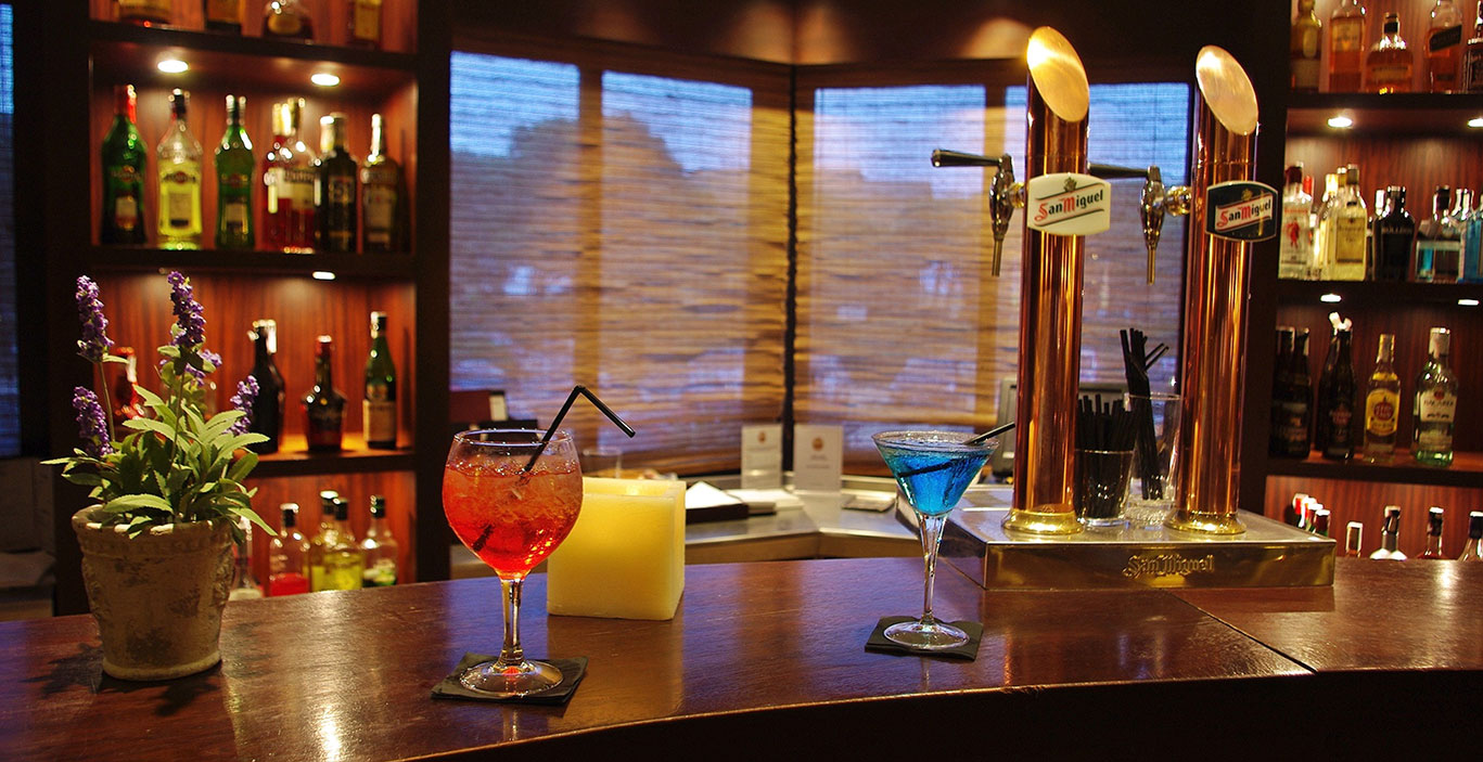 restaurants/havana/Bar-Havana_barra.jpg