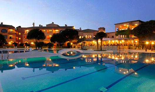 serveis/piscina/piscina-nit.jpg